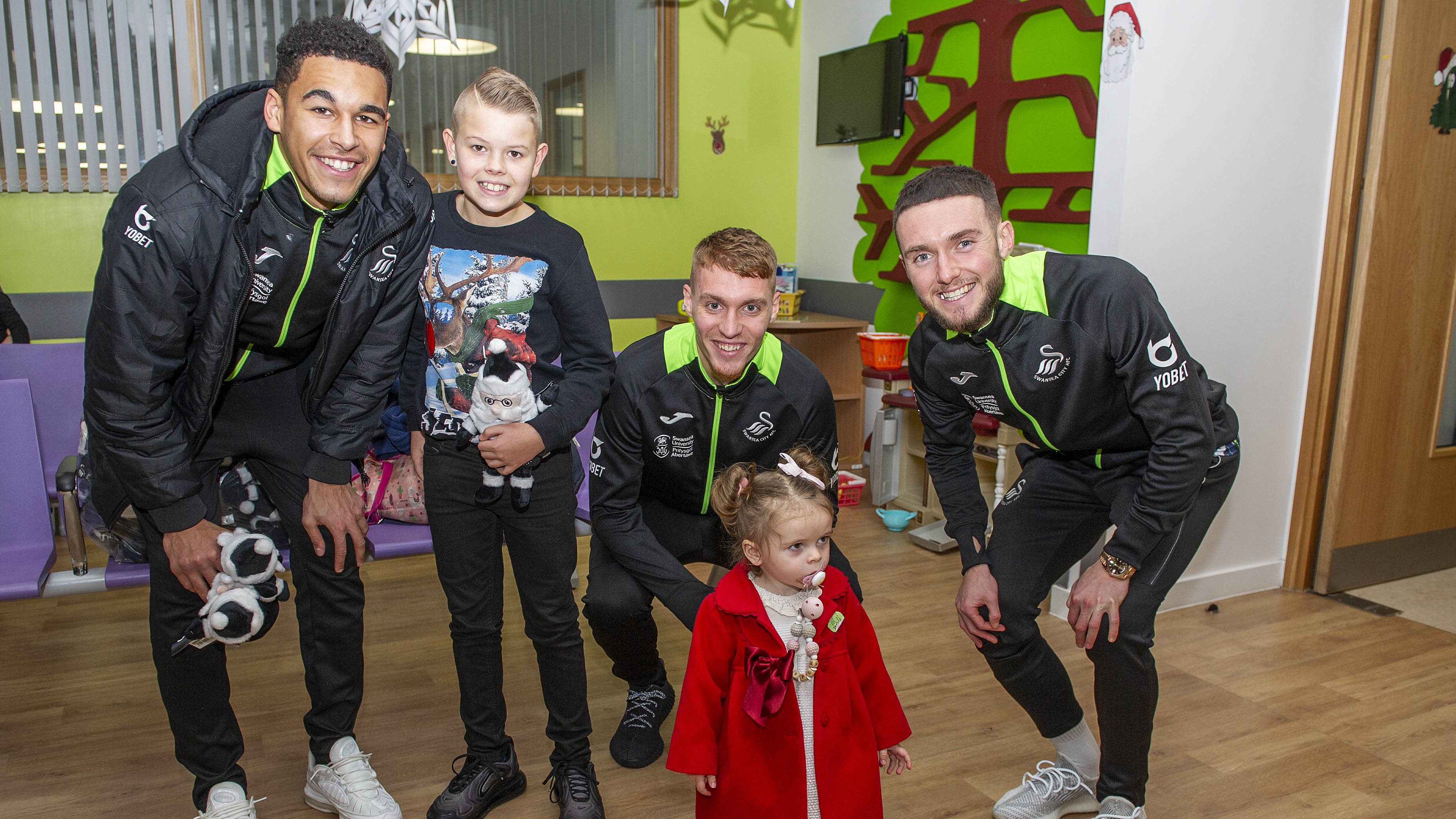 Swansea City squad visiting children at Morrison Hospital