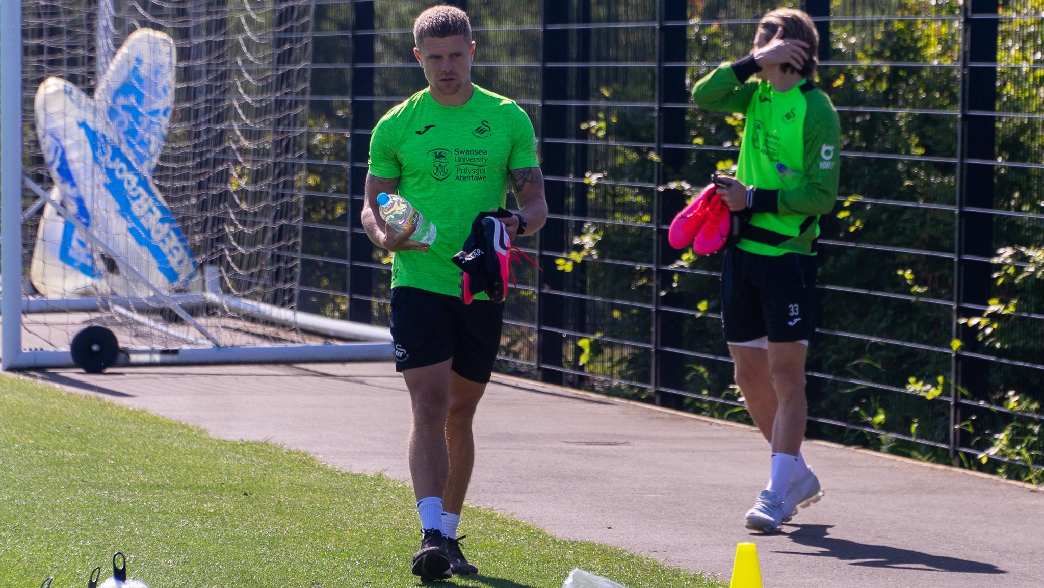Jake Bidwell return to training
