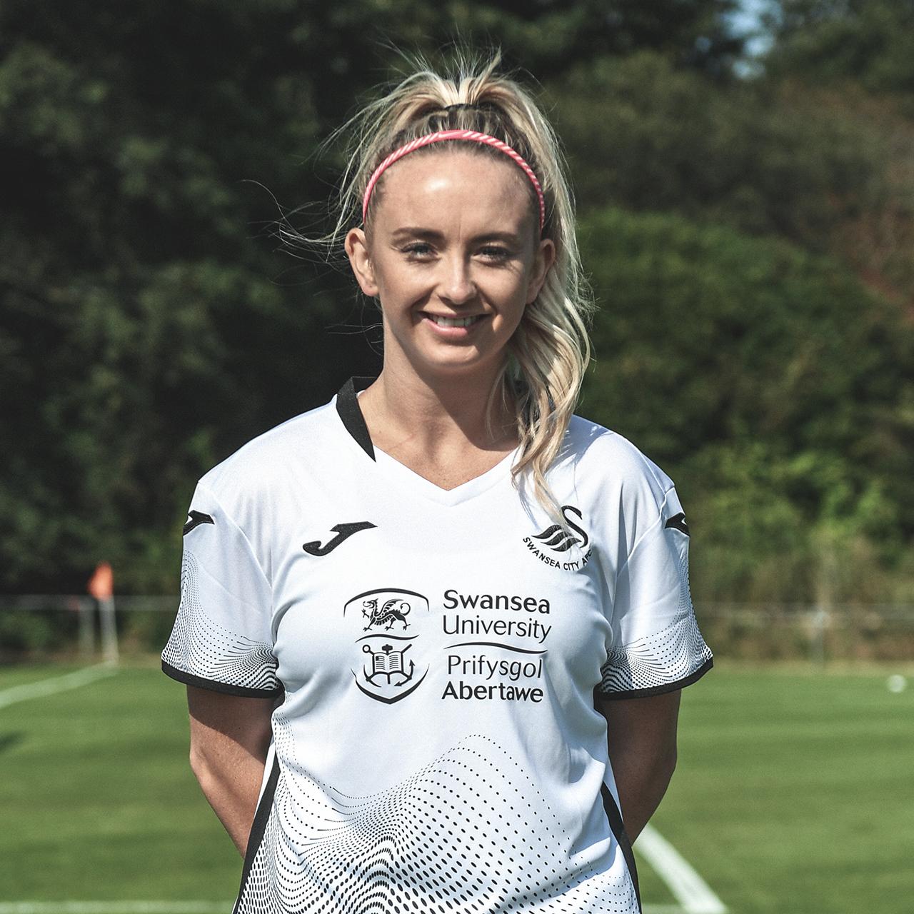 Ria Hughes profile